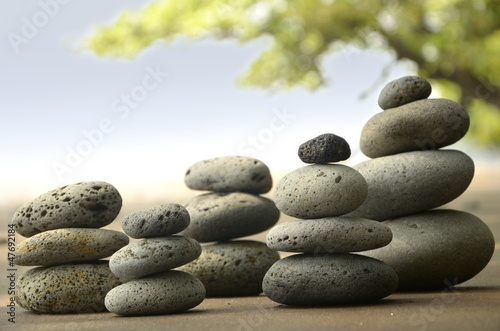 Akustikstoff - Basalt Steine am Strand