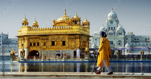 Poster India Sikh in front of Golden Temple, Amritsar, India