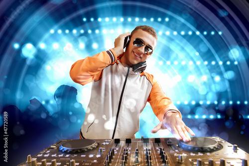 Photo  dj and mixer