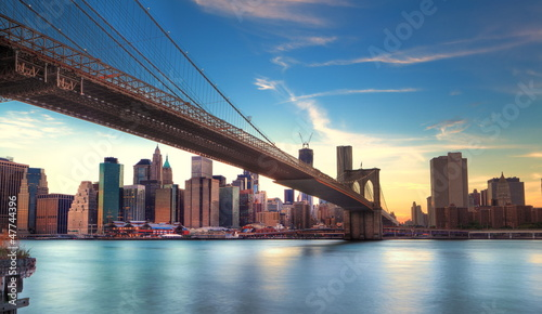 In de dag Brooklyn Bridge Pont de Brooklyn vers Manhattan, New York.