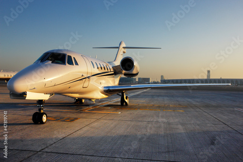 Beautiful shape of a private jet Fototapete