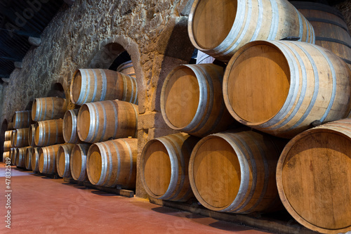 Photo Wooden wine barrels