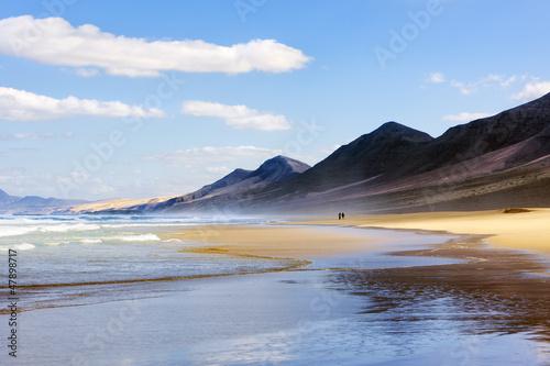 Foto-Kissen - Wandern am Strand von Cofete, Fuerteventura (von eyewave)