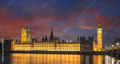 Fotografia  Big Ben and House of Parliament at River Thames International La