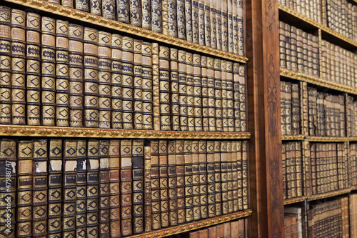 Montage in der Fensternische Bücherei Old books in the Library of Stift Melk, Austria.