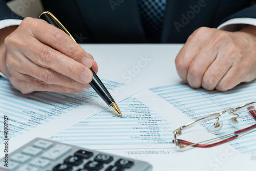 Fotografie, Obraz  財務諸表と経営者