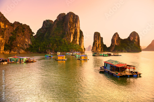 Fotografie, Obraz  Halong Bay, Vietnam. Unesco World Heritage Site.