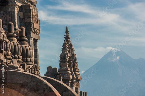 Foto op Plexiglas Indonesië Prambanan temple with Merapi volcano, Java, Indonesia