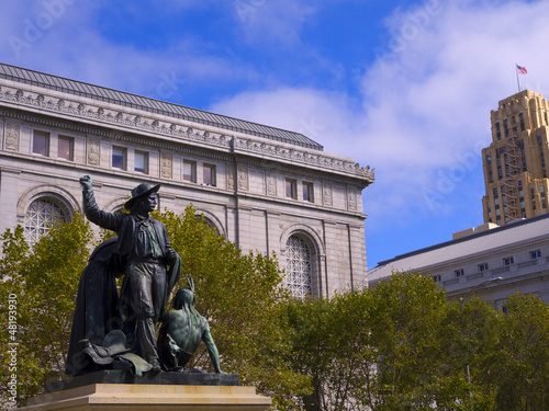 City Hall and the monuments to the 49ers in San Francisco USA Canvas Print
