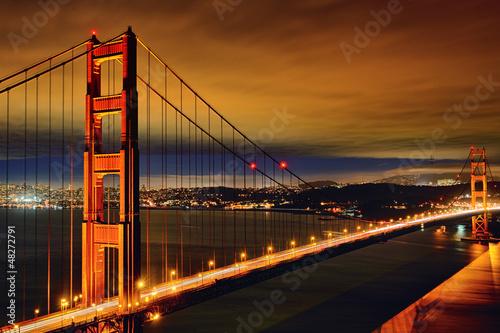 scena-nocy-mostu-golden-gate
