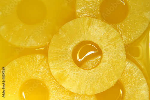 La pose en embrasure Tranches de fruits Pineapple slices