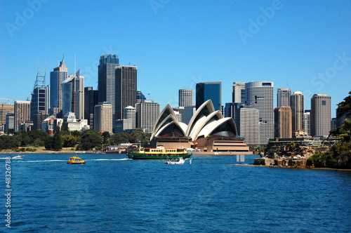 Photo  View on the Sydney Opera House. Sydney, Australia