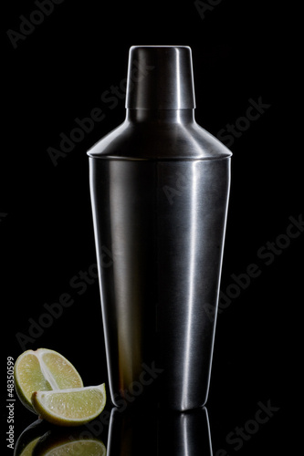 Fotografia  Cocktail shaker on a black background