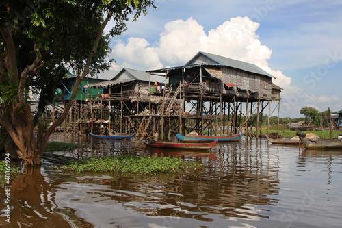 Maisons sur pilotis dans la mangrove Wallpaper Mural