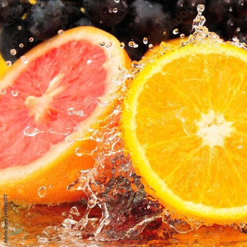 czyste-owoce-w-wodzie