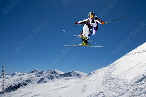 Fotobehang Wintersporten jump in the Alps