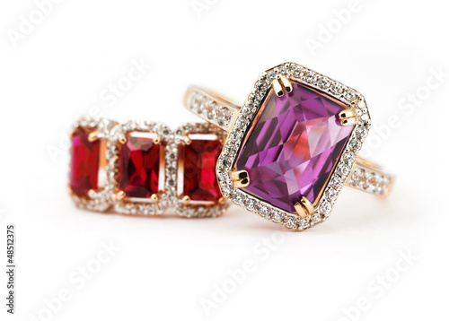 Fotografía  Jewelry rings with amethyst and ruby
