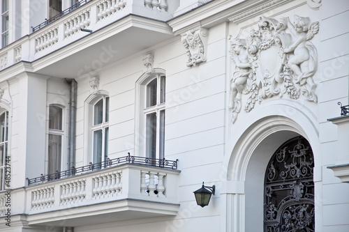szlachecki-dom-w-berlinie-wejscie-do-mieszkania
