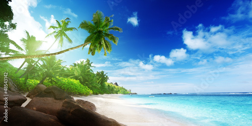 Foto-Leinwand - beach in sunset time on Mahe island in Seychelles