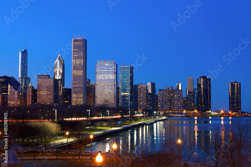 Foto op Canvas Texas Downtown Chicago across Lake Michigan at dusk, IL, USA