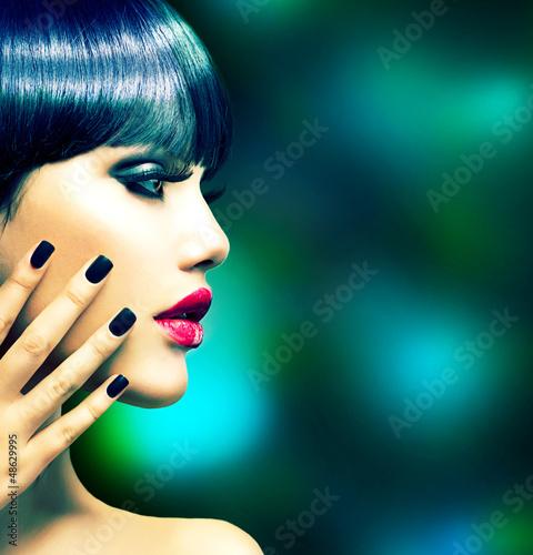 Foto op Plexiglas Beauty Fashion Woman Profile Portrait. Vogue Style Model