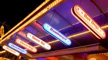 Imbissstand Neonwerbung