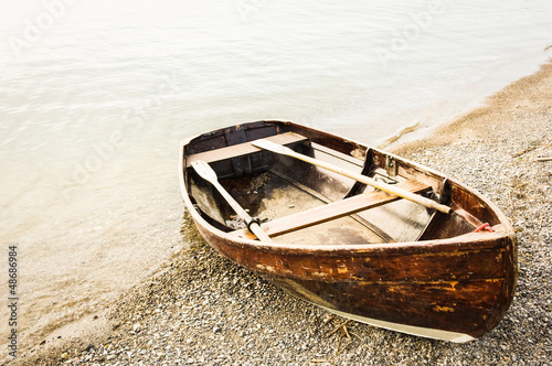 Fotografiet old rowboat