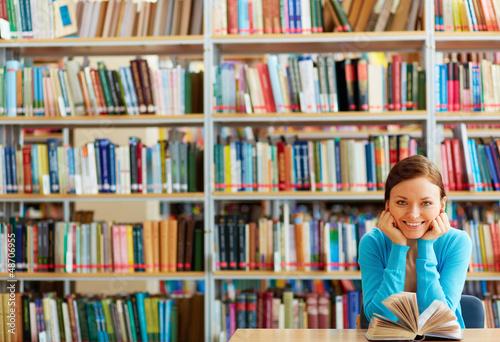 Poster Bibliotheque Reader