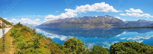 Photo  Lake Wakatipu, South Island of New Zealand