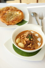 Thai Food, Beef Massaman Curry With Roti