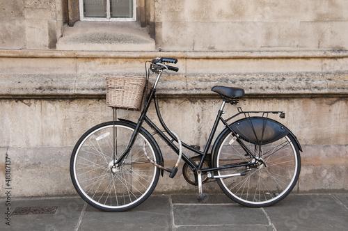 Deurstickers Fiets Vintage Bicycle at Cambridge, UK