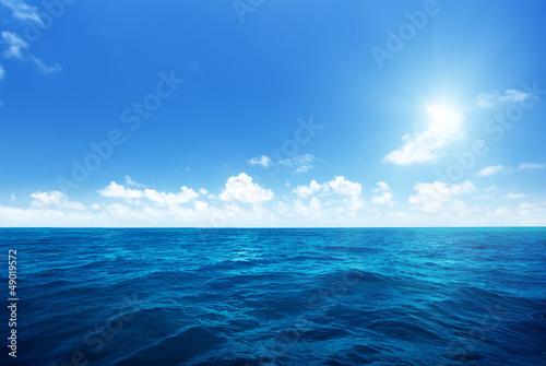 Foto op Plexiglas Zee / Oceaan perfect sky and water of indian ocean