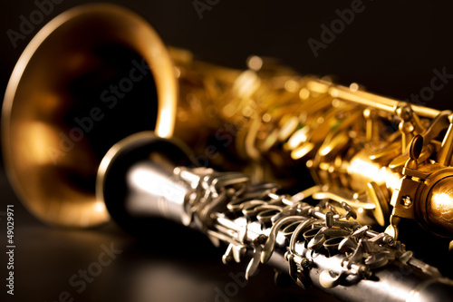 Obraz na plátně Classic music Sax tenor saxophone and clarinet in black