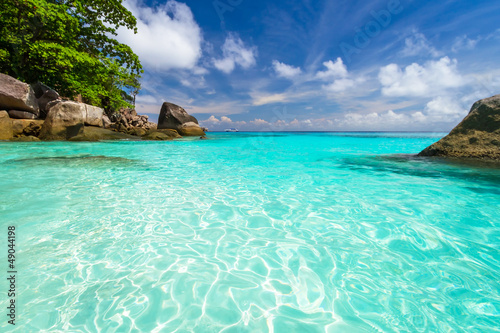 Poster Tropical plage Turquoise water of Andaman Sea at Similan islands, Thailand