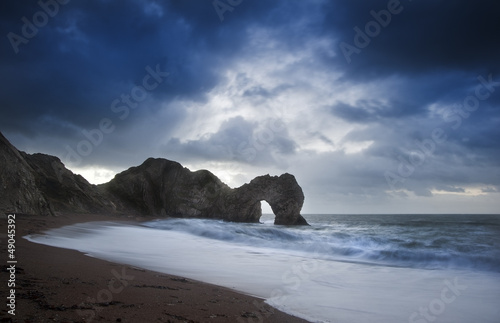 Photo  Pre-dawn Durdle Door on Jurassic Coast in England