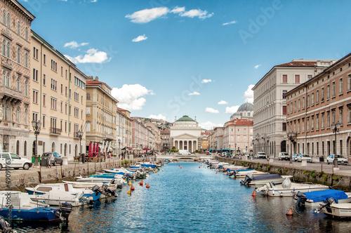 Obraz Canal Grande in Trieste - fototapety do salonu