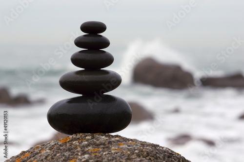 Doppelrollo mit Motiv - Zen Steinturm mit Felsenküste