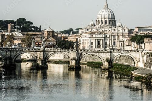 st-peters-bazylika-i-rzeczny-tibra-w-rzym-wlochy