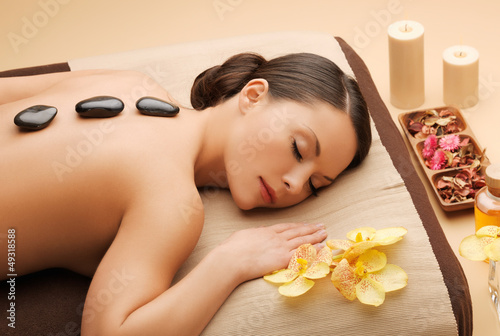 Doppelrollo mit Motiv - beautiful woman in spa salon (von Syda Productions)