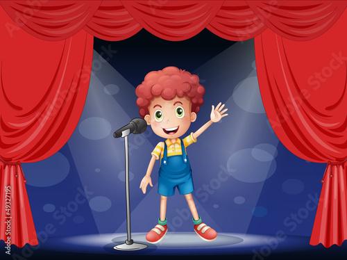 Foto-Kassettenrollo premium - A boy performing on the stage (von GraphicsRF)