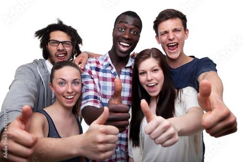 Foto  Glückliche Freunde, die Daumen herauf Zeichen zeigen
