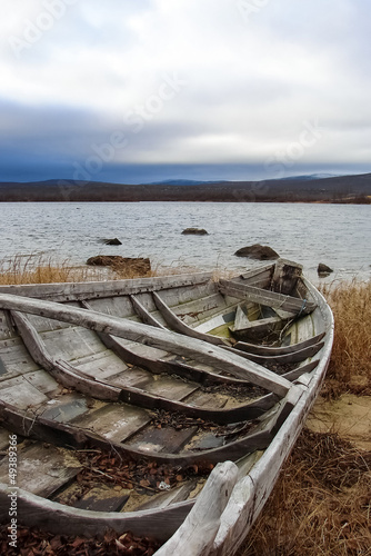 Foto-Leinwand - Old fishing boats on seashore (von bellan)