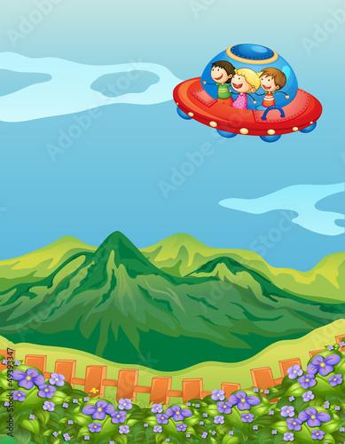 Spoed Foto op Canvas Vliegtuigen, ballon Kids and a saucer ship