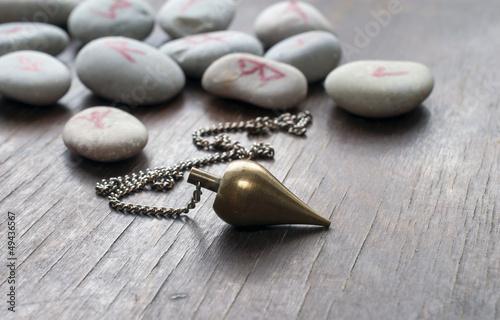 Plissee mit Motiv - Runensteine mit Pendel