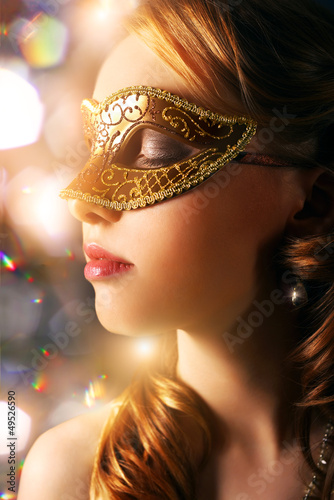 Foto op Aluminium Carnaval Beautiful girl in carnival mask