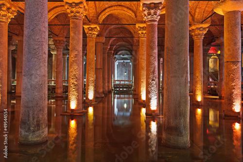 Underground water Basilica Cistern - Istanbul Wallpaper Mural