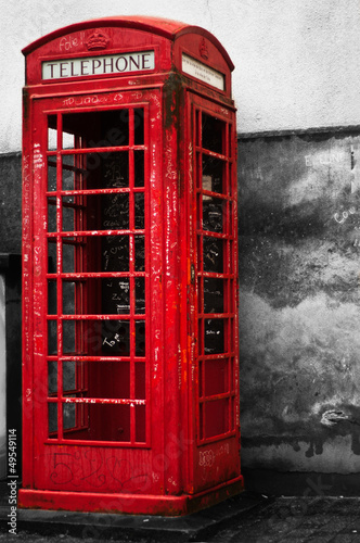 Wall Murals Red, black, white cabine téléphonique anglaise