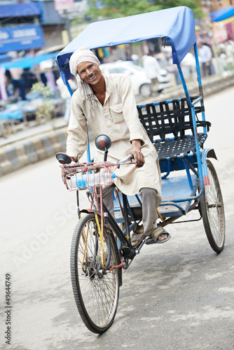 Fotografie, Tablou Indian auto rickshaw tut-tuk driver man