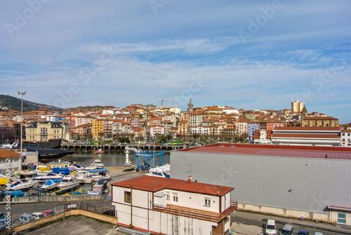 Foto op Aluminium Zalm Vista de Bermeo (Vizcaya, España)