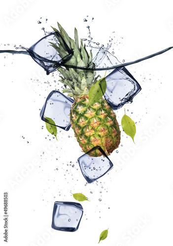 Poster Dans la glace Pine-apple with ice cubes, isolated on white background